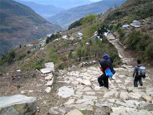Abstieg nach Bhiretanti