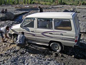Auto ausgraben bei Deskit