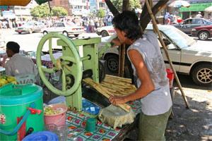 Zuckerrohrstand in Yangon