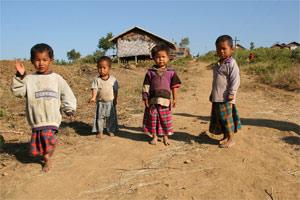 Kinder vom Volk der Pa-O am Inle Lake